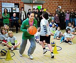 Alle kinderen wilden Kim Gevaert in hun ploeg.Stefaan Beel
