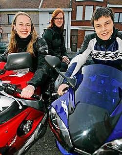 Sarah Van De Mosselaere, Eef Vanrusselt en Ilke September willen er in vliegen. Koen Merens