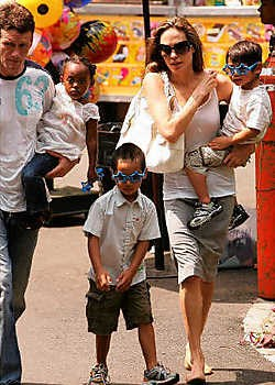 Ook Angelina Jolie heeft een 'manny' voor haar kids. photo news<br>