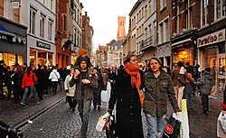 Volgens Unizo loopt de Brugse binnenstad, het winkelcentrum bij uitstek, gevaar.Michel Vanneuville<br>