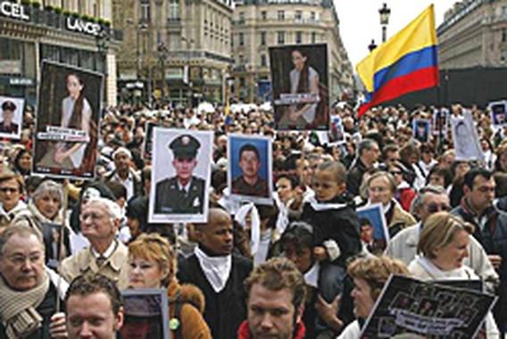 Duizenden Fransen op straat voor Betancourt
