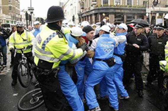 Tumult tijdens passage Olympische Vlam Londen