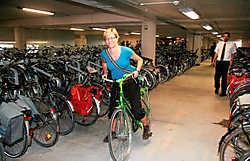 In de pas ingewijde fietsenstalling is alles ingesteld op veiligheid en comfort.Johan Van Cutsem<br>