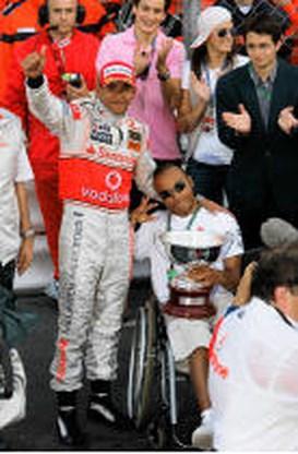 Broer Lewis Hamilton begint eigen racecarrière ondanks hersenverlamming