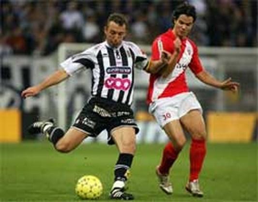 Charleroi laat clubicoon Defays gaan