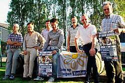 Nico Mattan (midden) steunt 'Sport op tegen kanker'. Peter Maenhoudt<br>