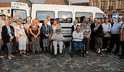 De gemeente Schoten investeerde 45.000euro in de nieuwe Handicar, uitgerust met gps en airco. if<br>