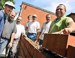 Chiro Wingene doet een beroep op vrijwilligers om nieuwe lokalen te bouwen.Frank Meurisse<br>