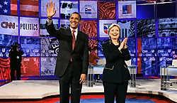 Barack Obama en Hillary Clinton begin dit jaar, op een debat onder Democraten.Photo News<br>