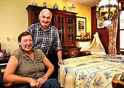Wim Van Heymbeek en Chantal Magosse: 'Vijf van de acht huizen hier zijn bewoond door Vlamingen.'Marc Herremans<br>