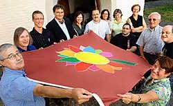 Tegelijk met de oprichting van de adviesraad voor gehandicapten werd in de Abdij Maagdendale ook het logo voorgesteld. David Stockman
