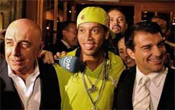 Ronaldinho tekent woensdag bij AC Milan