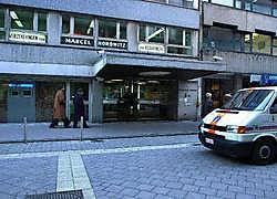 De plaats waar in 2003 de diamantroof plaatsvond. De Italiaan Notarbartolo (inzetfoto), één van de daders, zit intussen in de gevangenis van Hasselt, maar de buit van 100 miljoen is nog altijd spoorloos.Pol De Wilde<br>