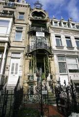 Het art-nouveauhuis Saint-Cyr in Brussel: slechts vier meter breed. pn<br>