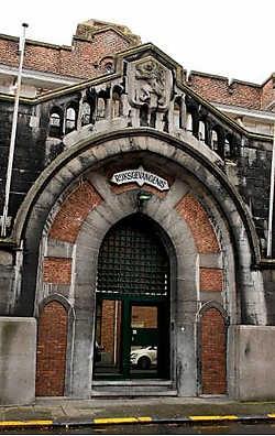 De gevangenis van Dendermonde dateert van 1863. Het gebouw torst de gevolgen daarvan.Marc Herremans<br>