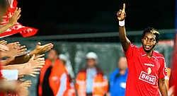 Dieumerci Mbokani geniet van het vertrouwen dat Laszlo Bölöni hem schenkt. 'We zijn echt sterker dan vorig seizoen', verzekert hij.belga<br>