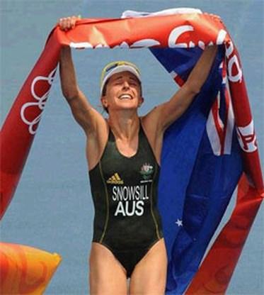 OS Triatlon: Australische Emma Snowsill loopt naar het goud