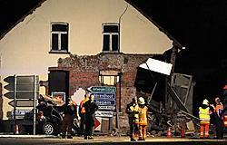 Luitenant<br> Joris Vranckx: 'Omdat het huis zo zwaar beschadigd was, hebben we de gevel gestut.'<br>Aerts Marc<br>