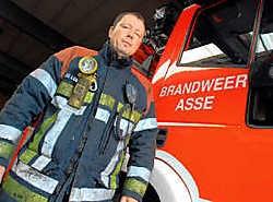 Luc Delombaerde: 'Brandweer is avontuur: je weet nooit wat je te wachten staat.' Yvan De Saedeleer