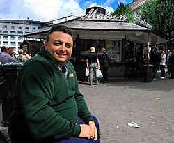 Antonio Del Vecchio: 'We bakken altijd in rundvet, nooit in olie.' hrb<br>