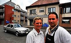 Kristof Ghekiere en Julie Ansiaux in het centrum van Heestert. phk<br>