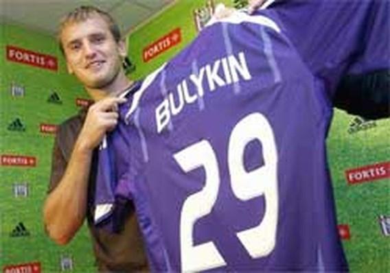 Anderlecht stelt Bulykin voor