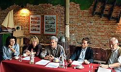 'Doel is in shock', zeggen Frie Lauwers, Marina Apers, Jan Creve, advocaat Igor Rogiers en Ferdinand De Bondt van Doel 2020.pms<br>