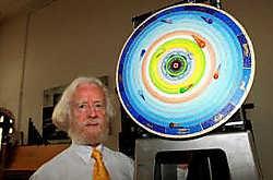Jo Haazen bij zijn astronomisch uurwerk.Eddy Van Ranst<br>