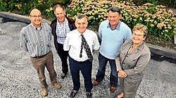 Enkele leden van het Trianguloteam met vlnr. ondervoorzitter Hendrik Vandromme, Noël Roels, missionnaris Freddy De Geyter, voorzitter Jean-Pierre De Backer en politica en Triangulo-lid Gisèle Debever.Frank Meurisse