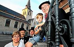 De feestcommissie doopt zondag reus Jef Scheirs op de septemberkermis.<br>Hendrik De Rycke <br>