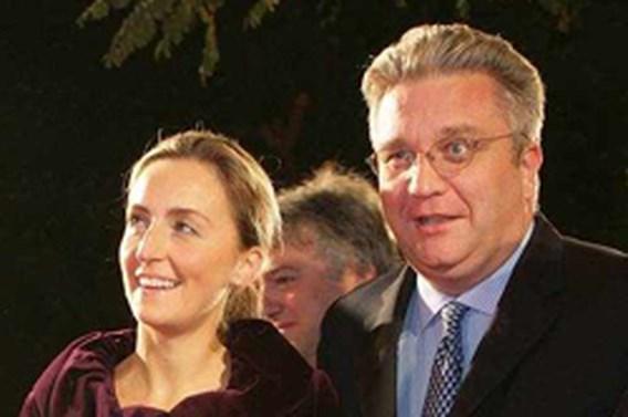 De Decker ontkent afschaffing dotaties Laurent en Astrid