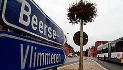 De provincie<br> wil de Vlimmersebaan in het centrum van Wechelderzande overdragen aan de gemeente. Lily Leys