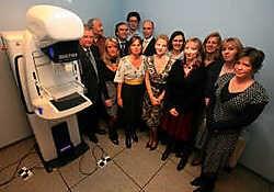 Het team van de medische beeldvorming beschikt als eerste in België over het revolutionaire toestel voor borstonderzoek. Mine Dalemans