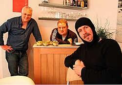 Patrick Heyte , Björn Vanacker en Filip Haeyaert, straks samen op het podium in Vlamertinge.Bart Vandenbroucke