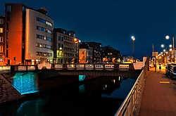 Met aangepaste verlichting - men denkt aan een soort 'appelblauwzeegroen' - zal de kanaalzone een fraai nachtelijk decor vormen. if