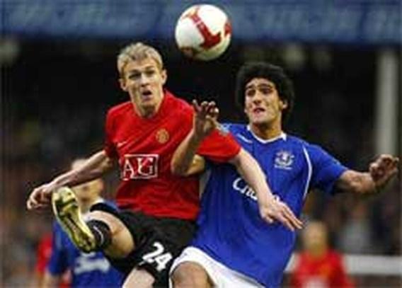 Fellaini redt een punt voor Everton