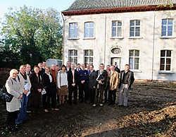 De leden van de politieraad brachten zaterdag een bezoek aan de pastorie in Hansbeke.Michel Moens<br>