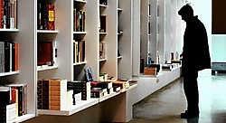 Veel jonge boekhandels investeren in comfort voor hun klanten, zoals ruimte om rustig rond te wandelen.Bart Dewaele<br>