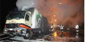 Vrachtwagen in brand na ongeval E17 Lokeren