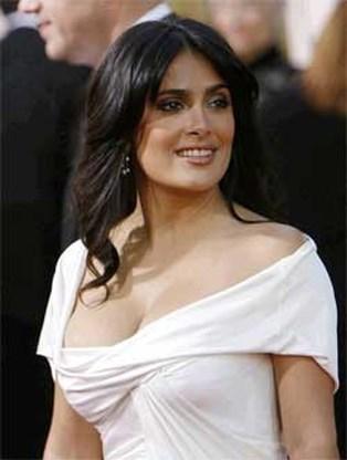 Salma Hayek heeft een snor