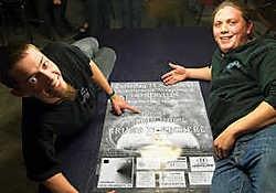 Dries Pollet (links) en Davy Coussens van vzw Mid Live Rock. Stefaan Beel