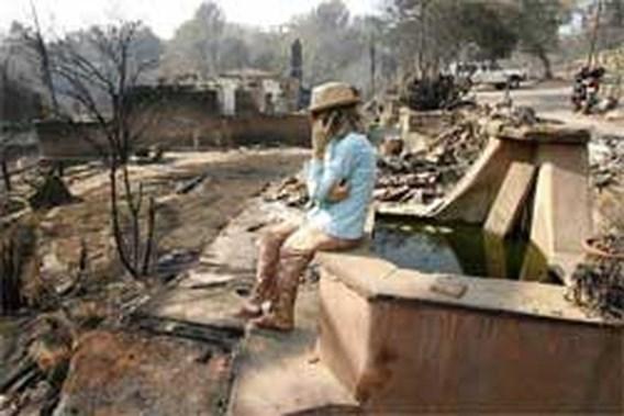 Tientallen villa's vernield bij brand in Californië