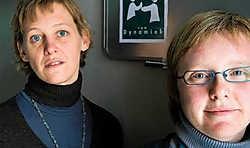 Mensen met autisme kunnen bij Els Mattelin en Sofie Raçon terecht om beter te leren omgaan met hun handicap in hun relaties, vrije tijd en op het werk.Stefaan Beel<br>