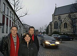 SP.A-leden Julien Mertens, Anoesjka De Bock en Leo Trienpont verwijten de coalitie onder meer dat de vrijgekomen site van het vroegere rusthuis Altena niet benut wordt.Paul De Malsche