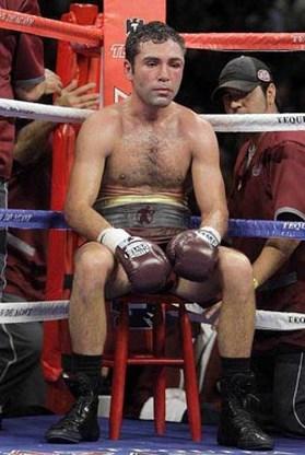 Manny Pacquiao klopt bokslegende Oscar de La Hoya