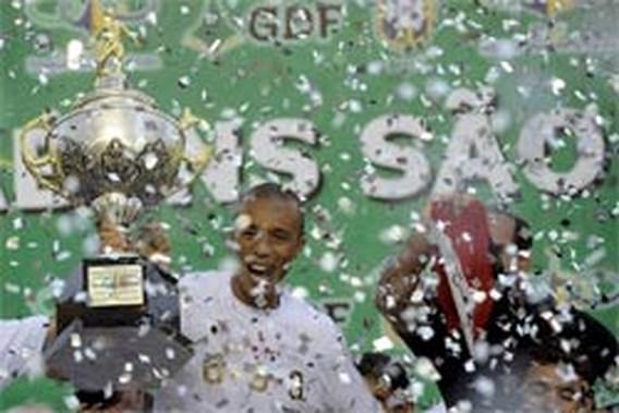 Sao Paulo viert derde titel op rij