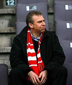 'Zelfs op het voetbal bij Standard zit Leterme altijd moederziel alleen.' belga<br>