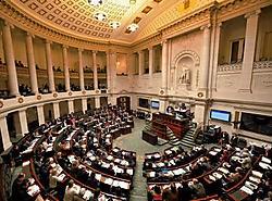 In het recente politieke verleden is het nooit eerder voorgekomen dat de grootste taalgroep in het parlement geen meerderheid bezit. photo news<br>