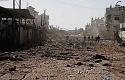 Het vluchtelingenkamp van Rafah in het zuiden van de Gazastrook, na een Israëlische luchtaanval. ap<br>