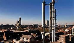 Gsm-masten staan al te vaak op appartementsgebouwen, ziekenhuizen en scholen.Michiel Hendryckx<br>